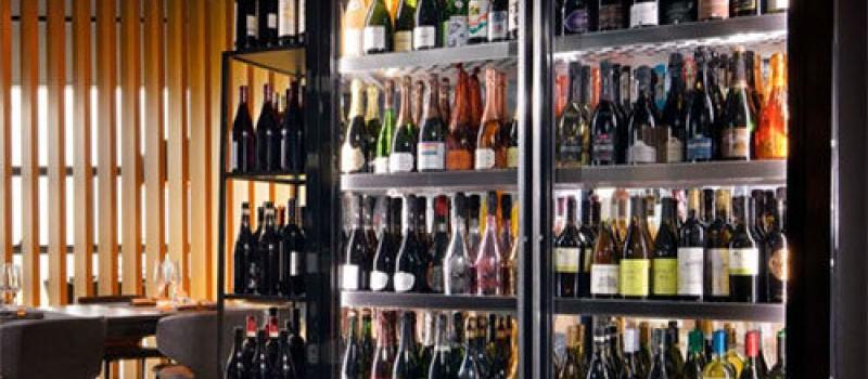 Отличие и правильный выбор винного шкафа.